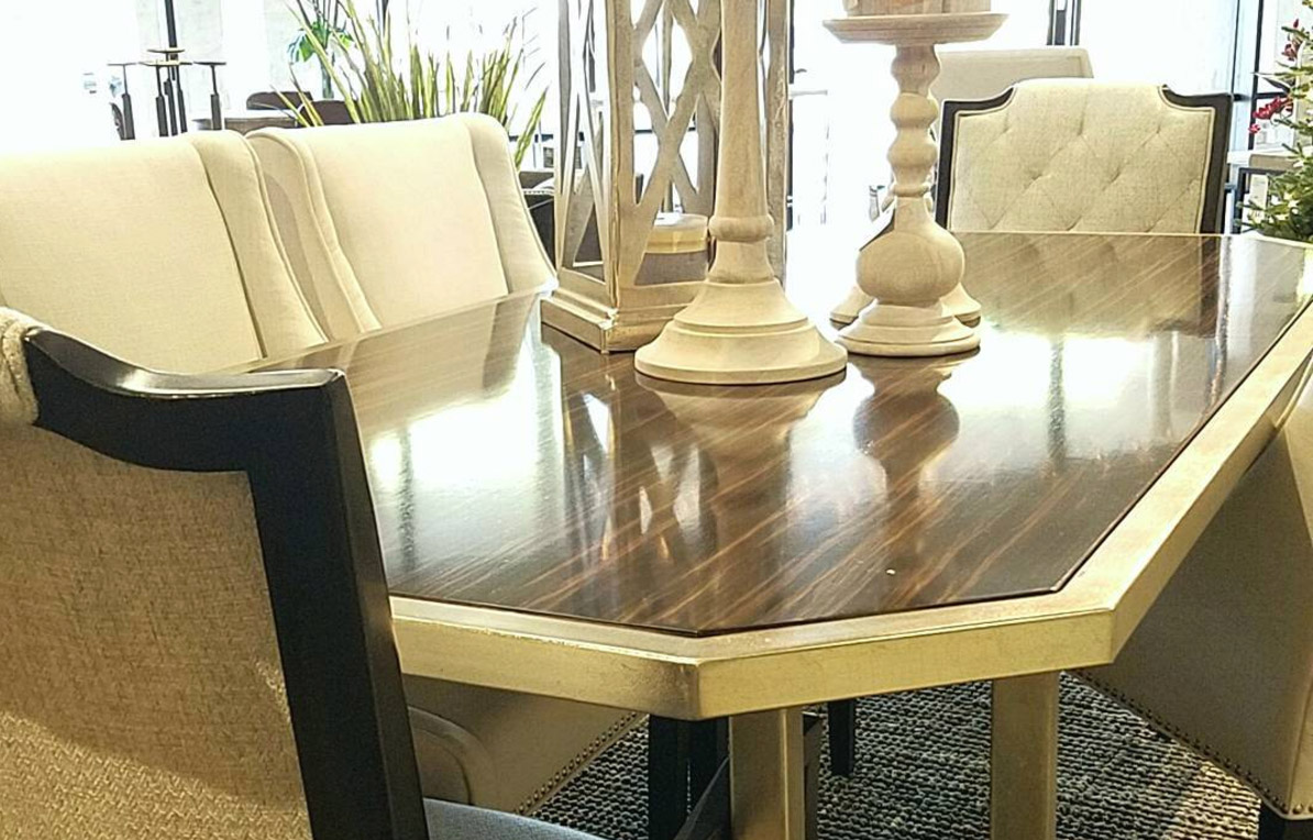 Luxury dining room tables for the home right home for Luxury dining room furniture